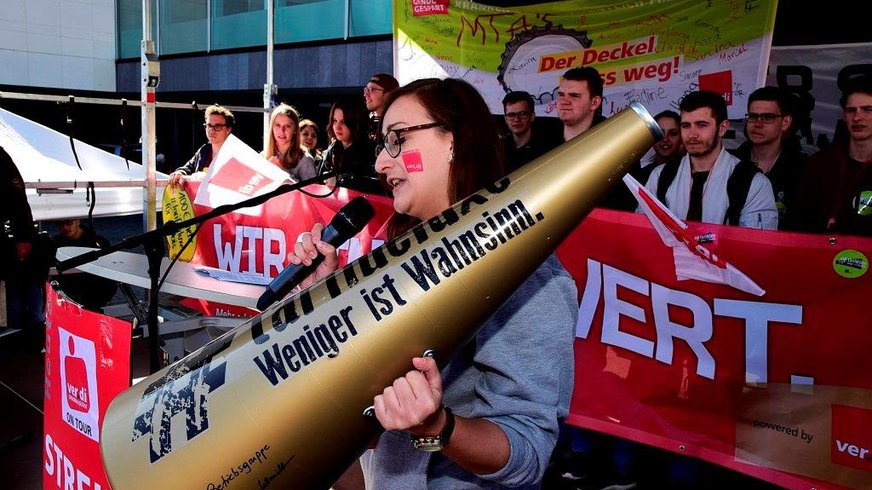 Lara beim Streik